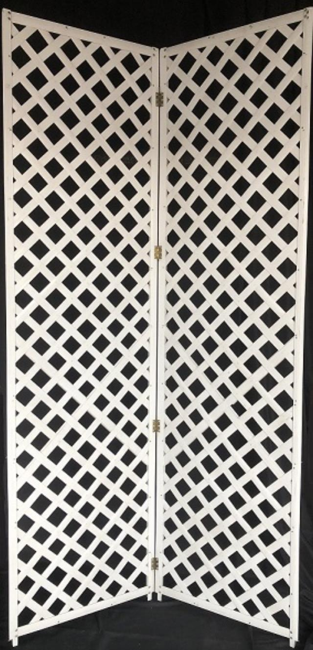 Where to rent DIVIDER, WHITE PLASTIC LATTICE in Atlantic City, Philadelphia, South Plainfield, Edison NJ, Woodbridge NJ, Sicklerville NJ
